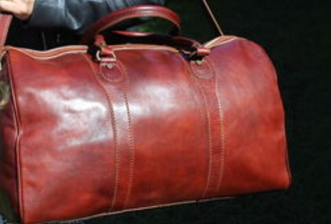http   www.notonthehighstreet.com 3bleathergoods product crafted-italian- leather-holdall 2a40193ee9550